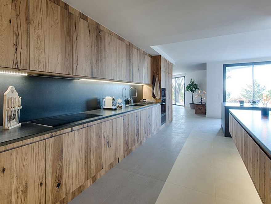 Private Residence: Crack Oak Kitchen. Project by Antoine Duverger